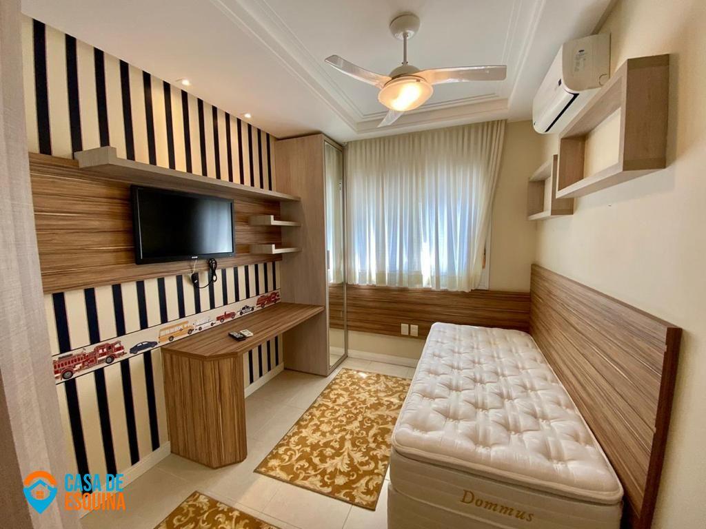 Apartamento com 3 Dormitórios à venda, 178 m² por R$ 1.092.000,00