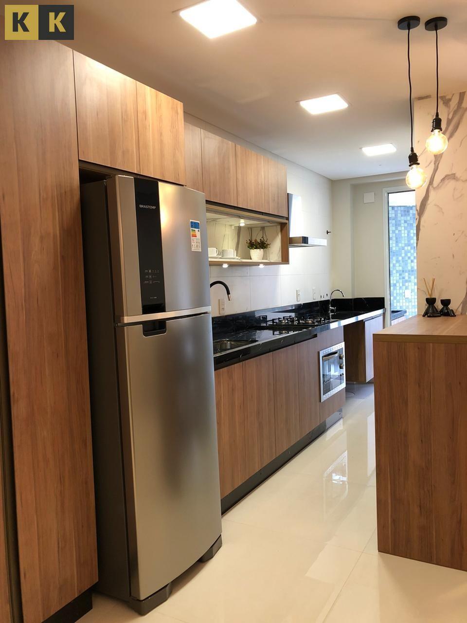 Apartamento com 3 Dormitórios à venda, 213 m² por R$ 1.290.000,00