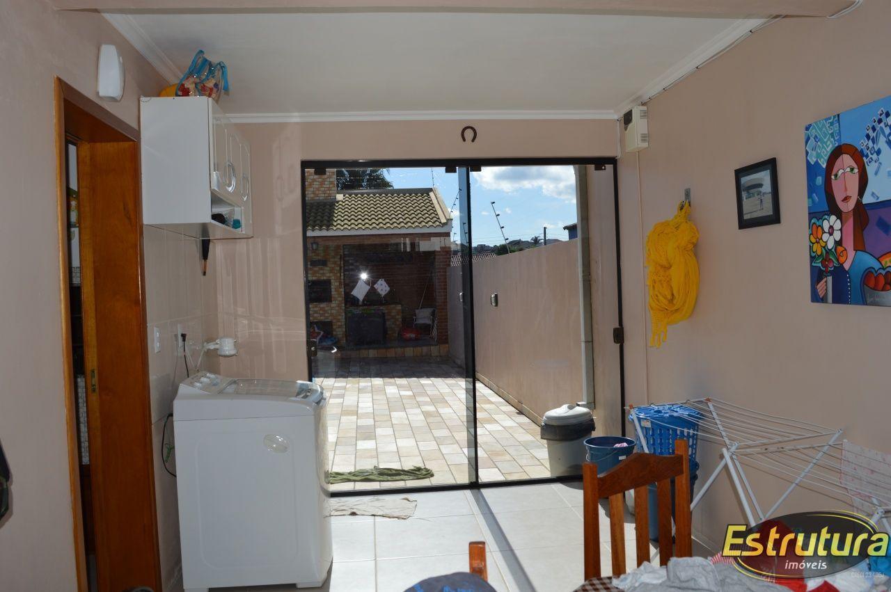 Casa com 3 Dormitórios à venda, 97 m² por R$ 600.000,00