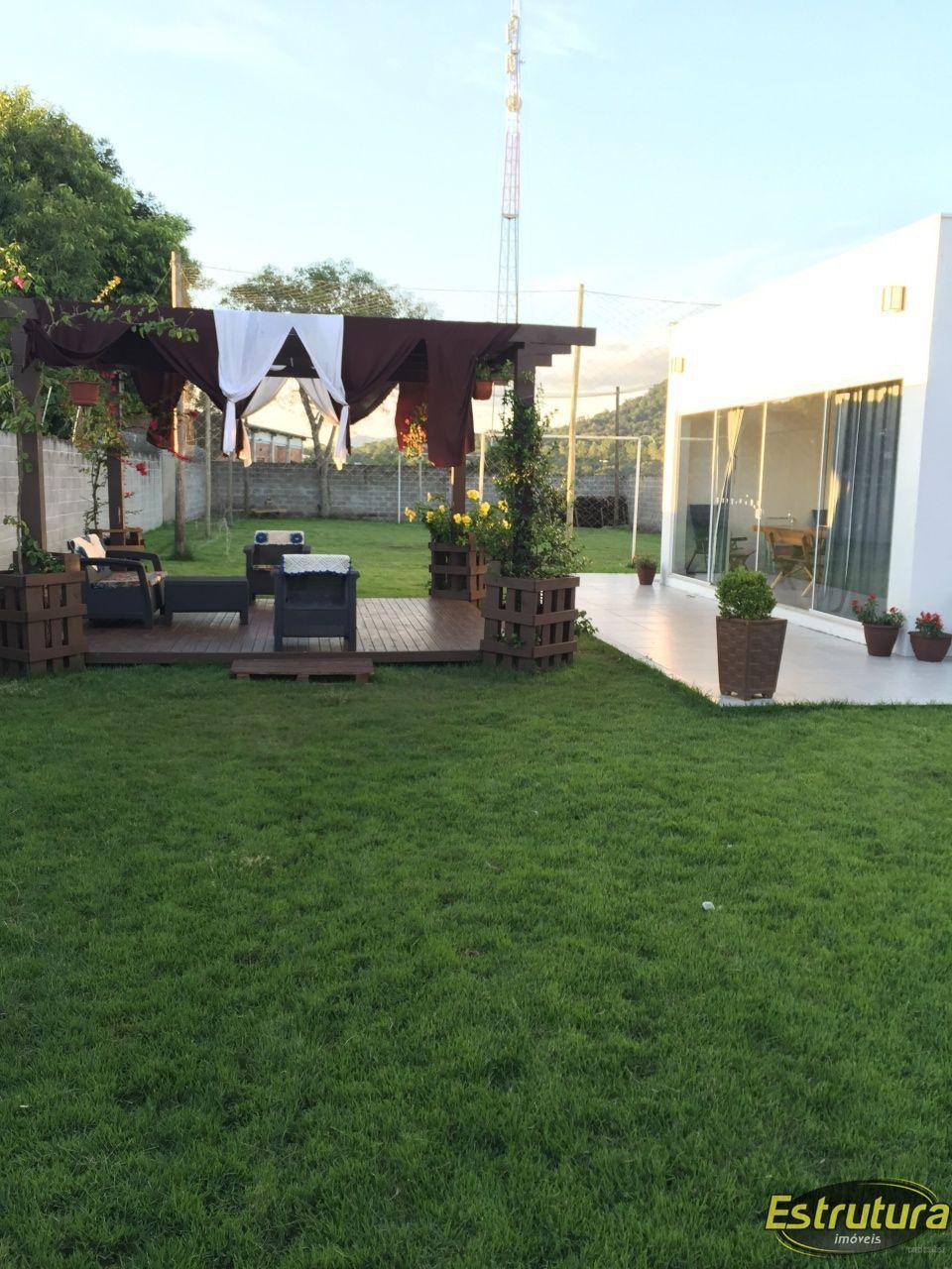 Casa com 3 Dormitórios à venda, 255 m² por R$ 1.100.000,00