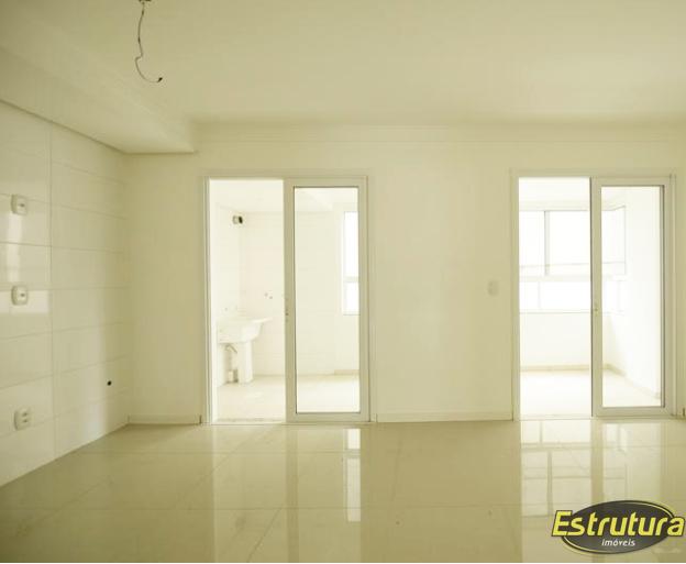 Apartamento com 3 Dormitórios à venda, 180 m² por R$ 820.000,00