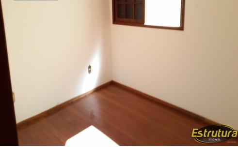Apartamento com 3 Dormitórios à venda, 240 m² por R$ 950.000,00