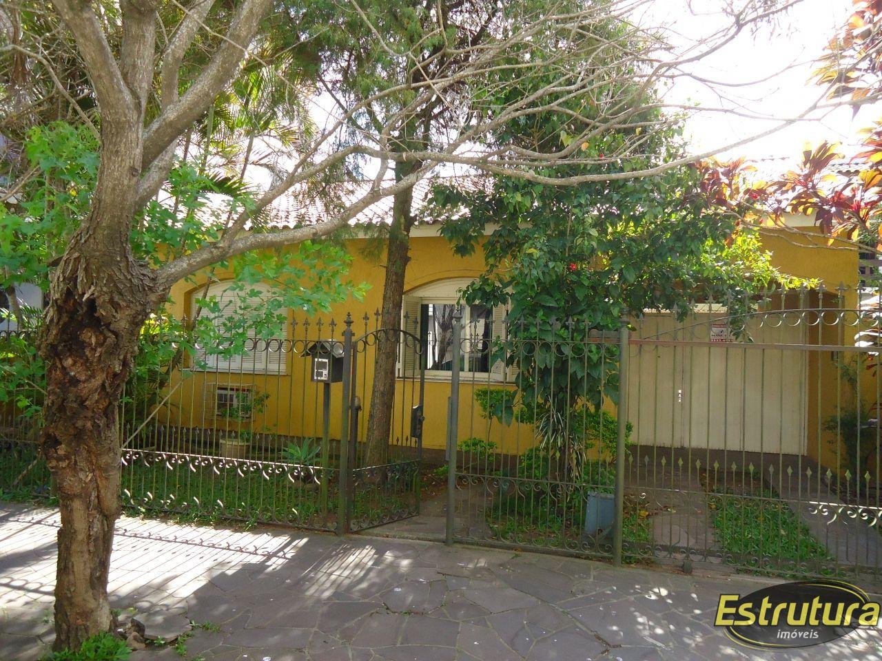 Casa com 4 Dormitórios à venda, 240 m² por R$ 636.000,00