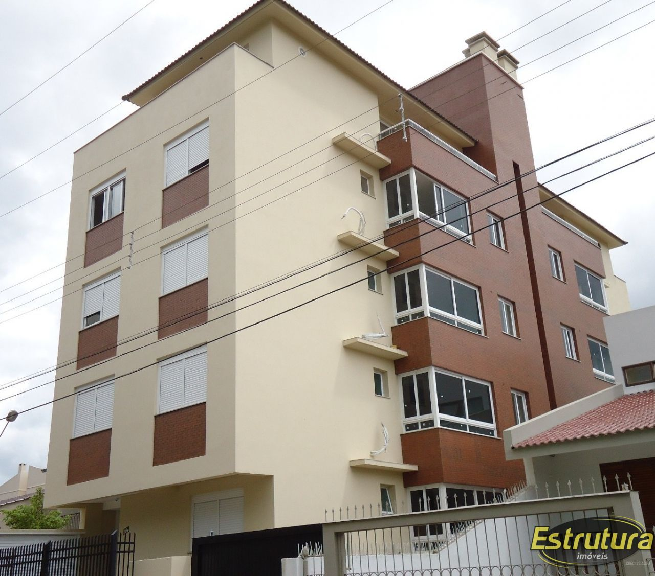 Apartamento com 2 Dormitórios à venda, 80 m² por R$ 340.000,00