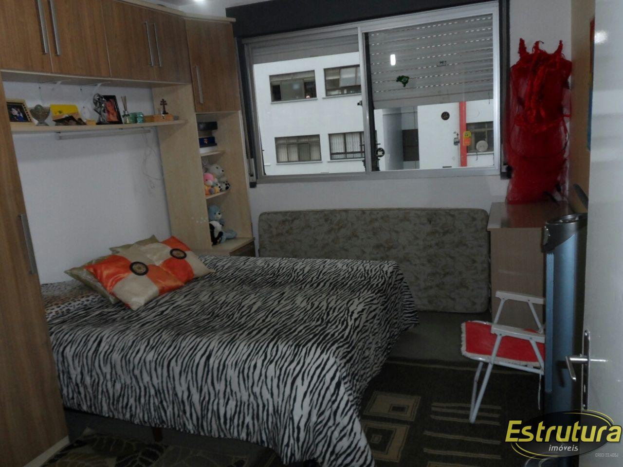 Apartamento com 4 Dormitórios à venda, 136 m² por R$ 450.000,00