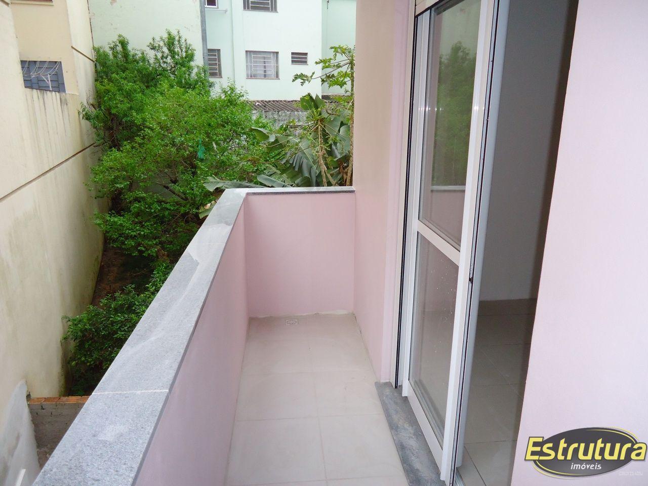 Apartamento com 2 Dormitórios à venda, 57 m² por R$ 250.000,00