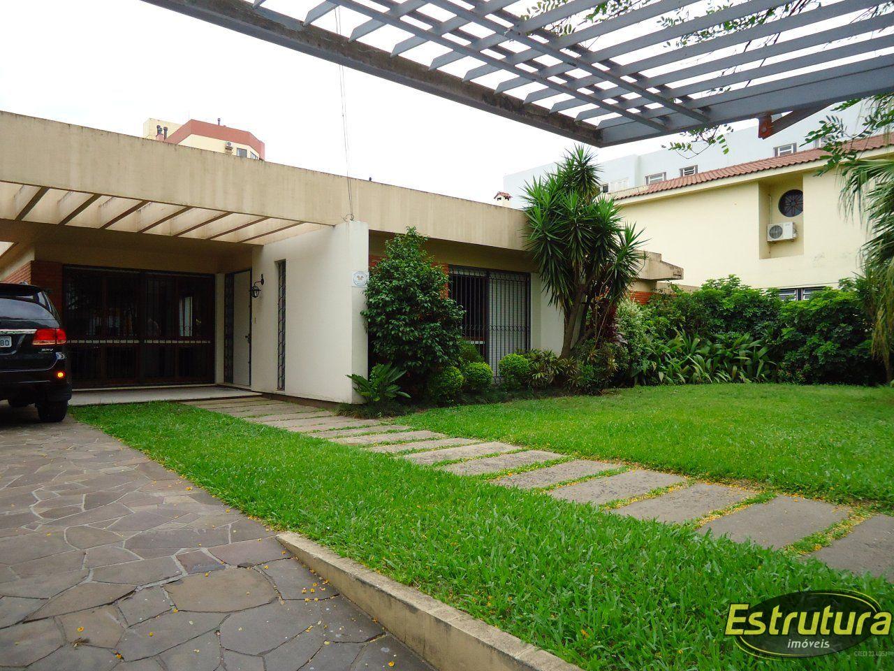 Casa à venda  no Nossa Senhora Medianeira - Santa Maria, RS. Imóveis
