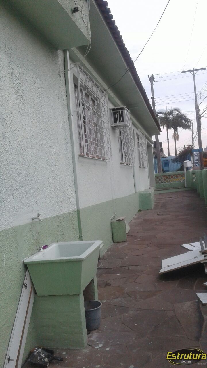 Casa com 2 Dormitórios à venda, 200 m² por R$ 900.000,00
