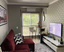Sala de estar com sacada integrada