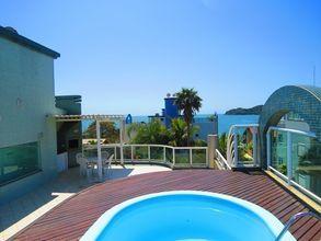 piscina com vista ao mar