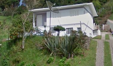 casa-monte-belo-do-sul-imagem