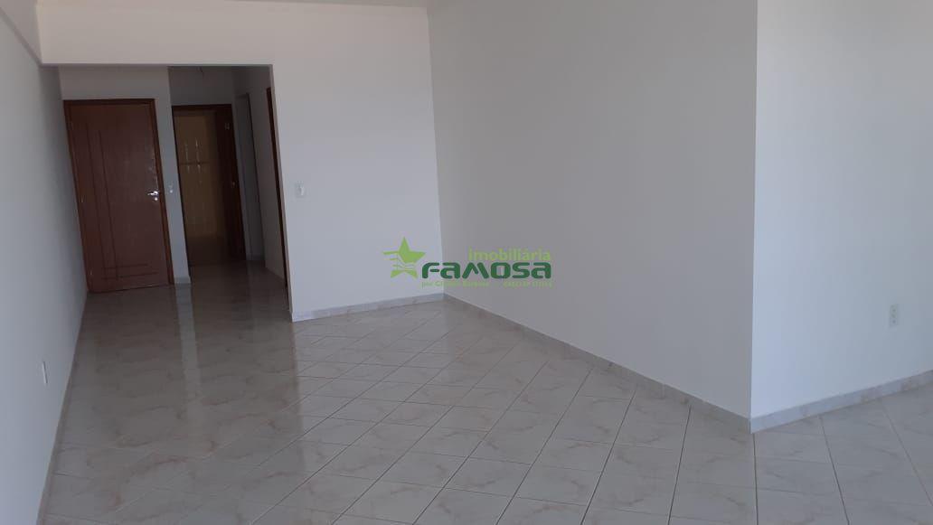 Apartamento à venda  no Guilhermina - Praia Grande, SP. Imóveis