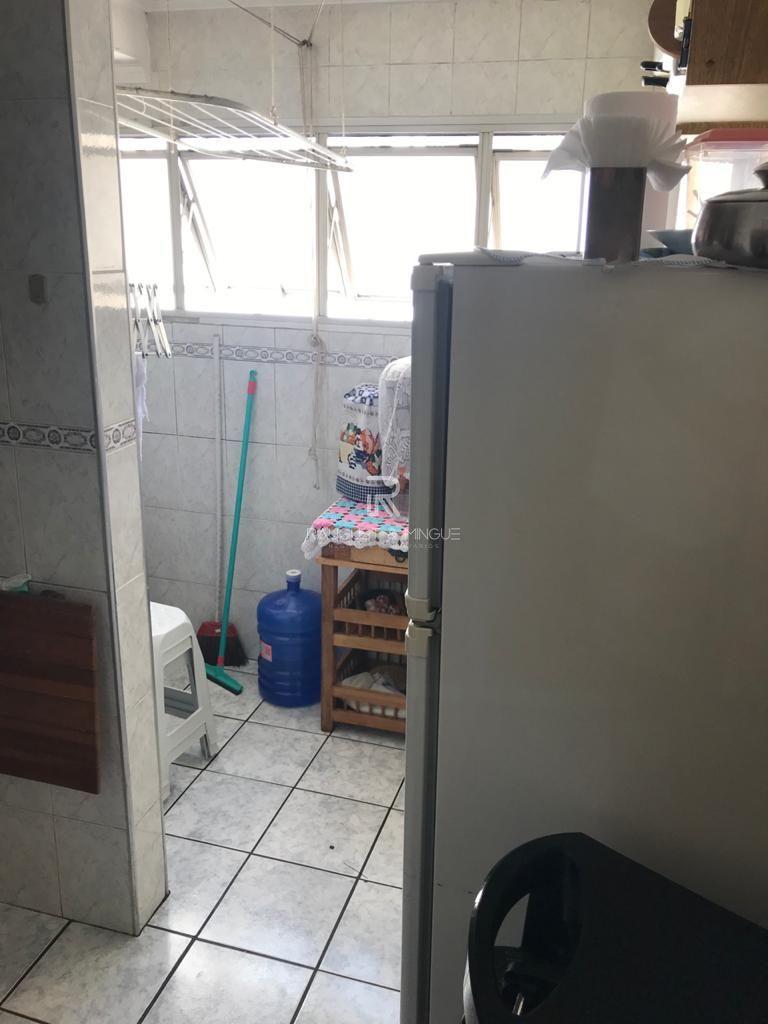 Apartamento com 3 Dormitórios à venda, 67 m² por R$ 380.000,00