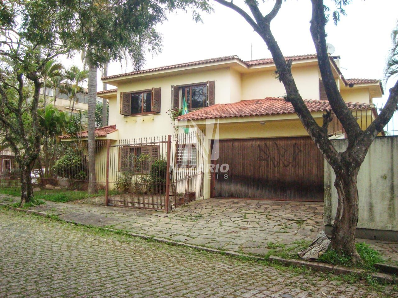 Sobrado à venda  no Jardim Itu - Porto Alegre, RS. Imóveis