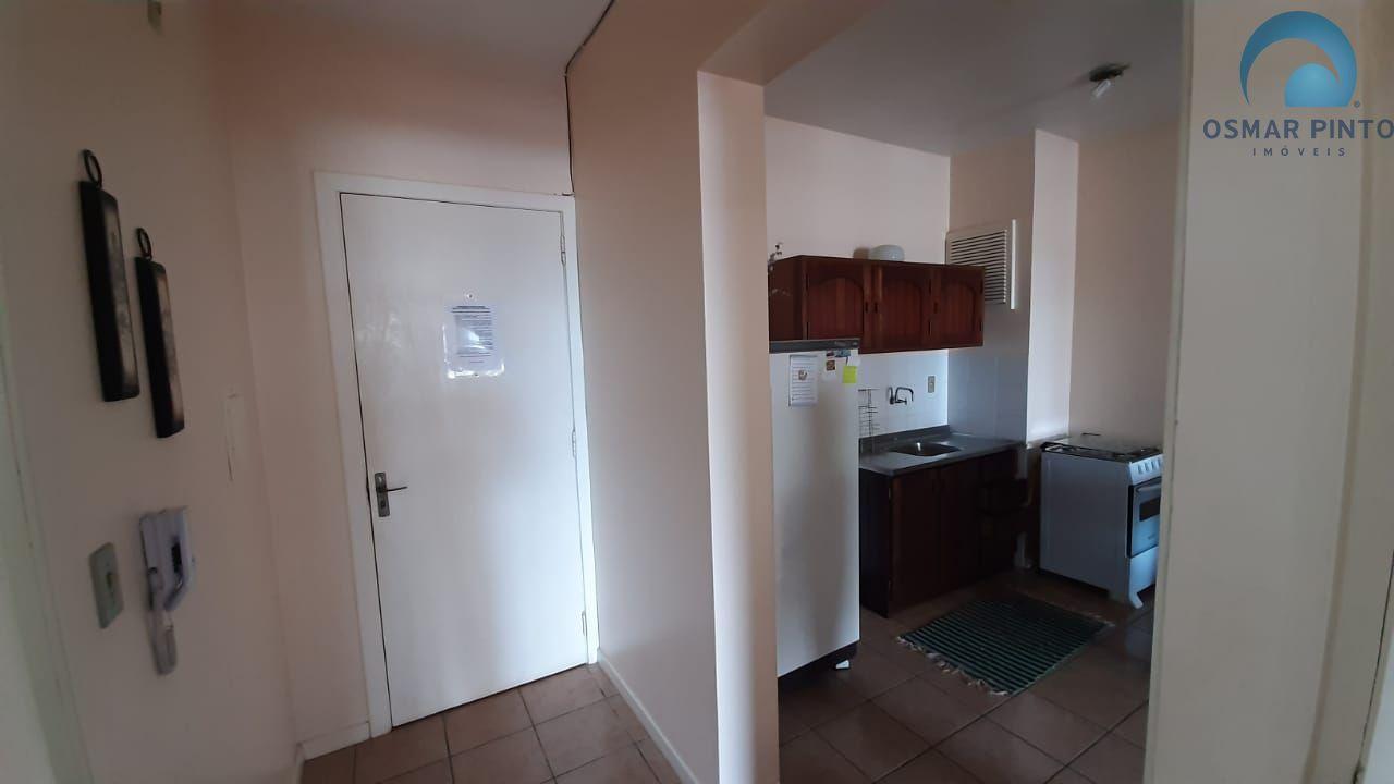 Apartamento com 2 dormitórios<small> em Torres, Centro</small>