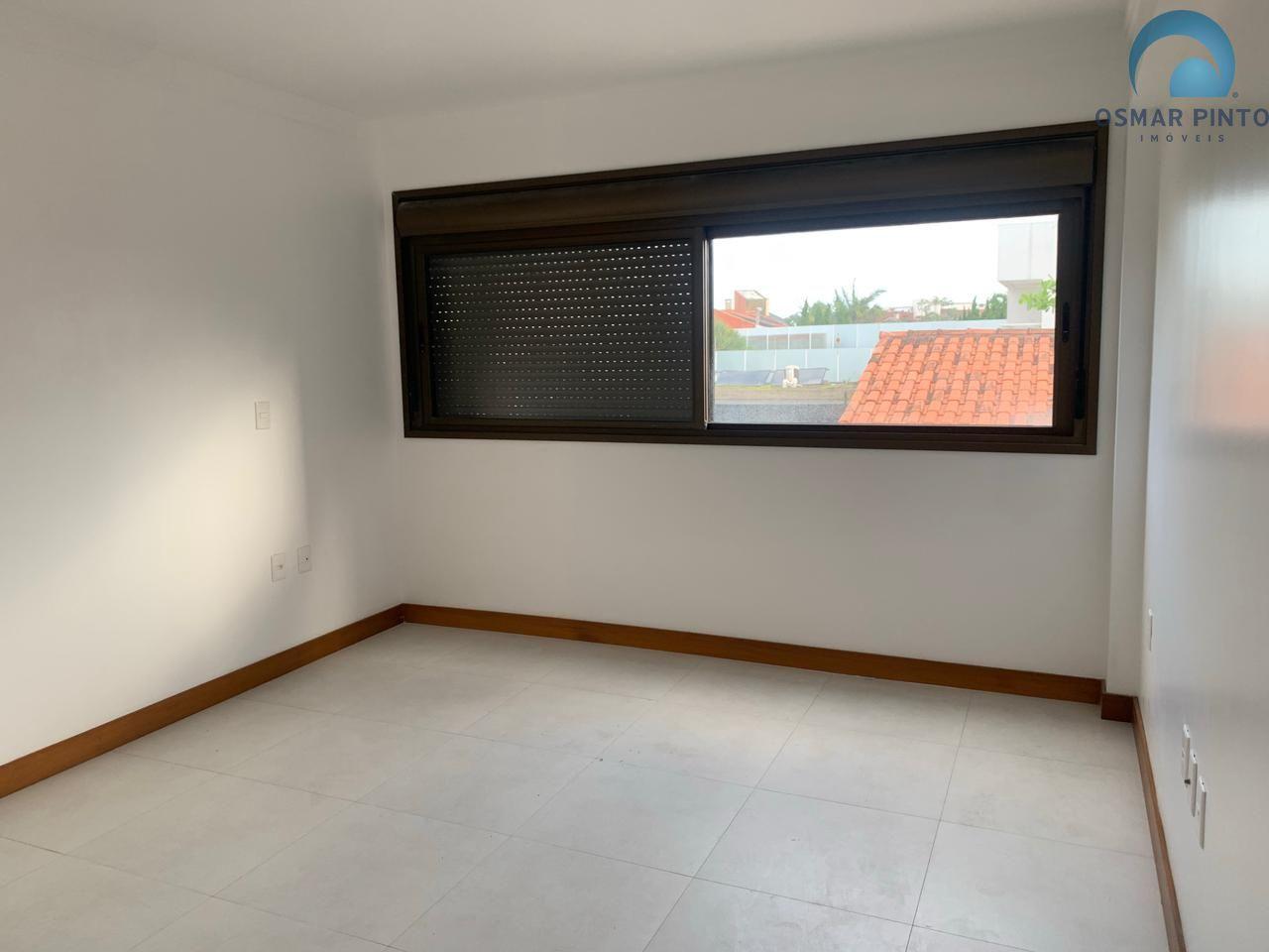 Apartamento 2 dormitórios em Torres, no bairro Predial