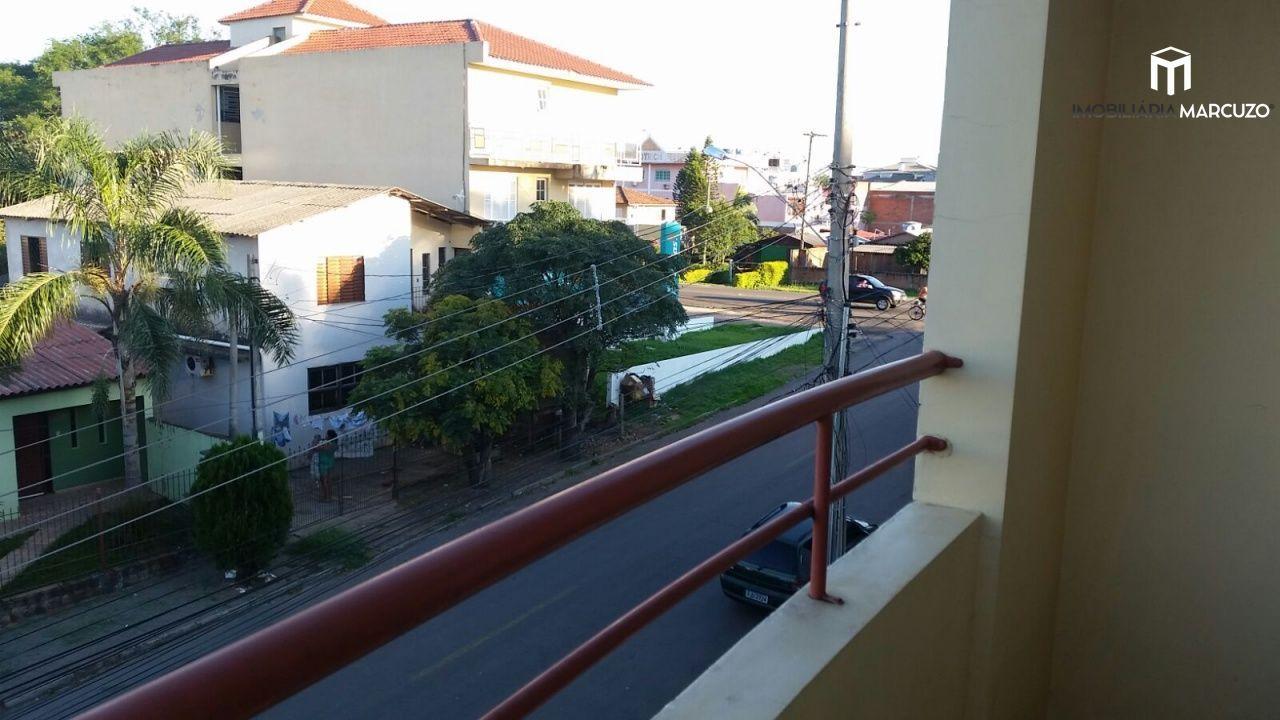 Apartamento com 2 Dormitórios à venda, 74 m² por R$ 325.000,00