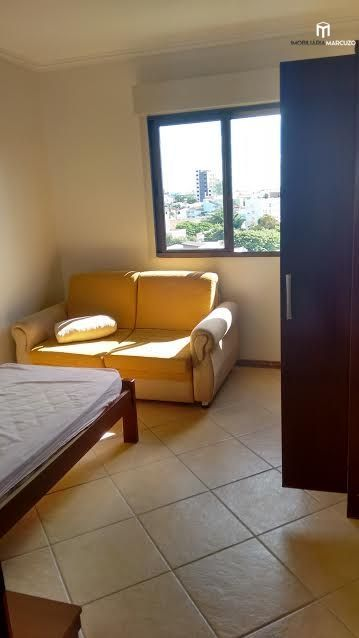 Apartamento com 2 Dormitórios à venda, 68 m² por R$ 260.000,00