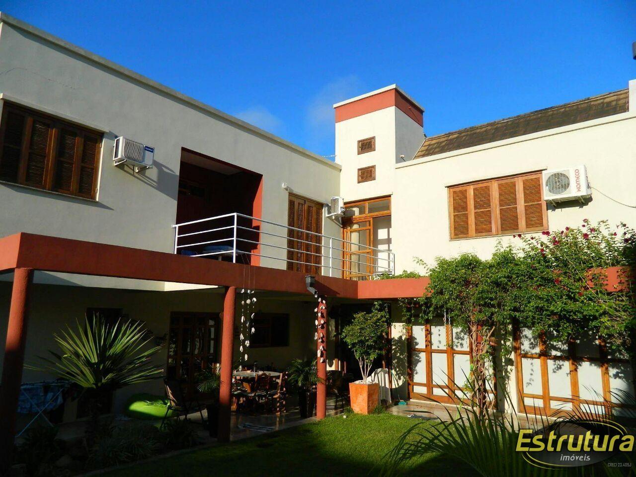 Casa com 3 Dormitórios à venda, 319 m² por R$ 1.700.000,00