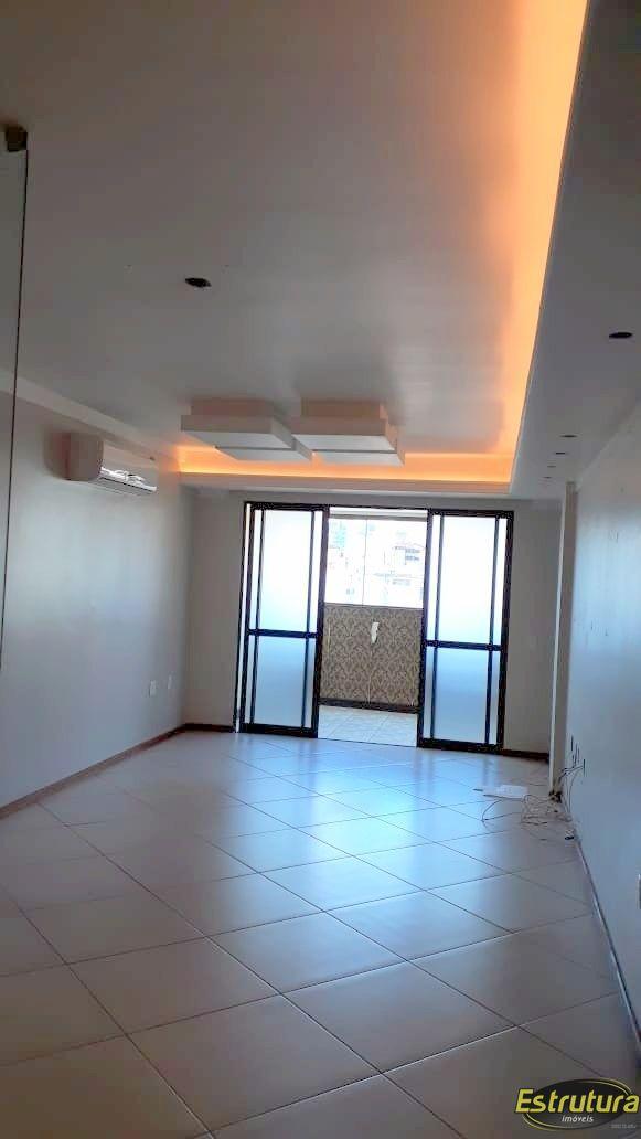 Apartamento com 3 Dormitórios à venda, 131 m² por R$ 650.000,00