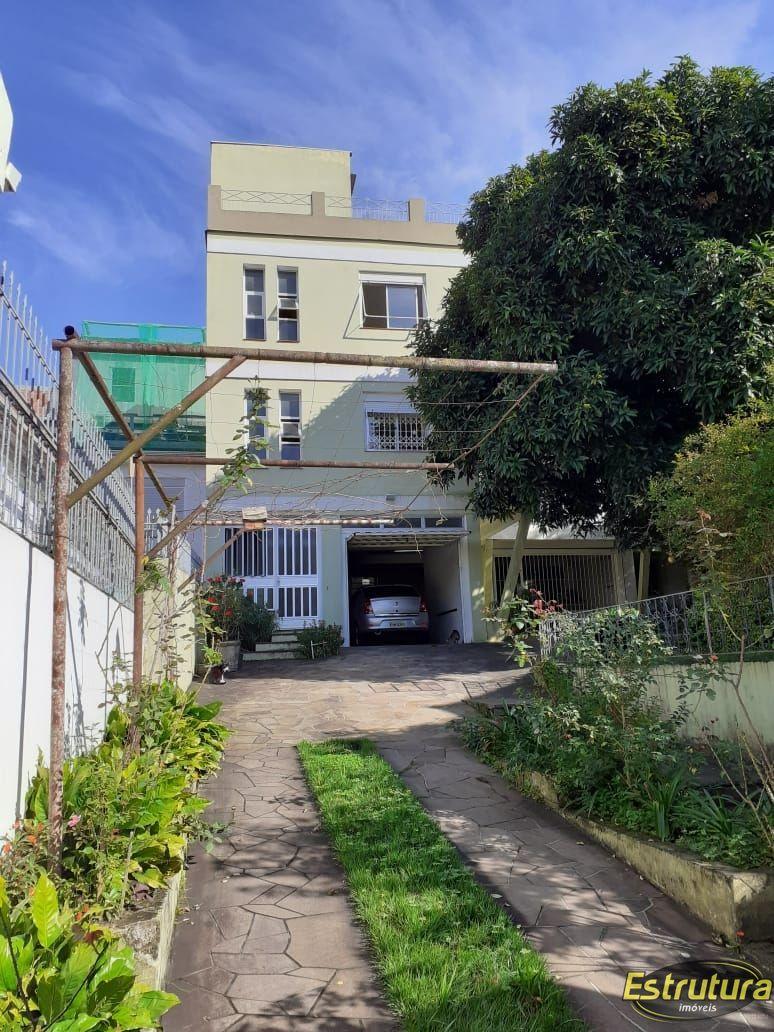 Casa com 8 Dormitórios à venda, 518 m² por R$ 1.700.000,00