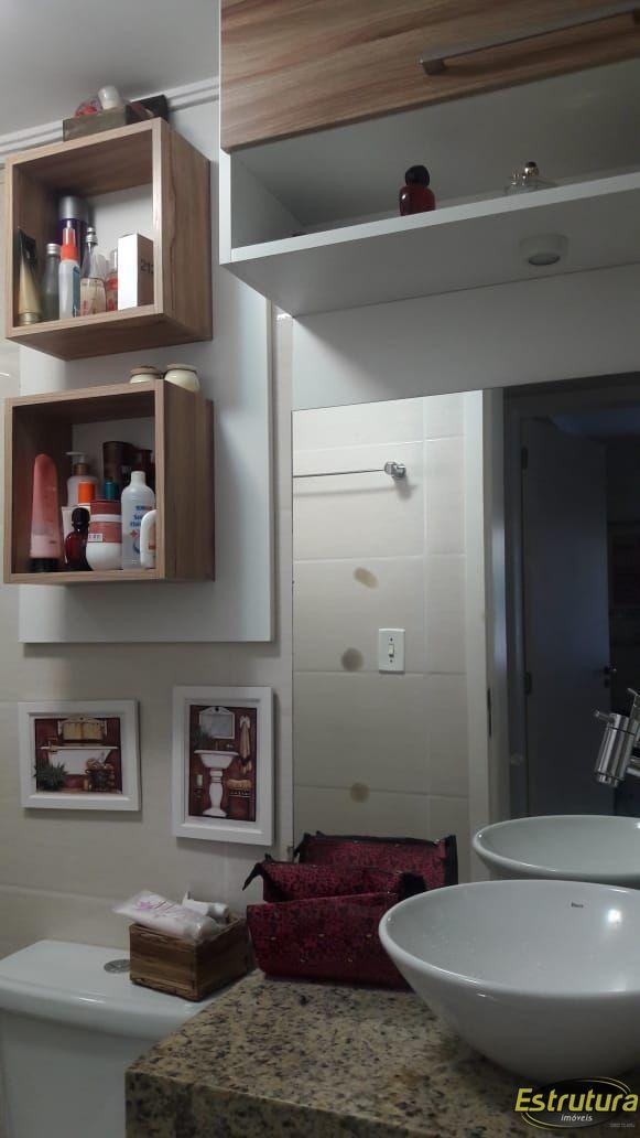 Apartamento com 3 Dormitórios à venda, 60 m² por R$ 260.000,00