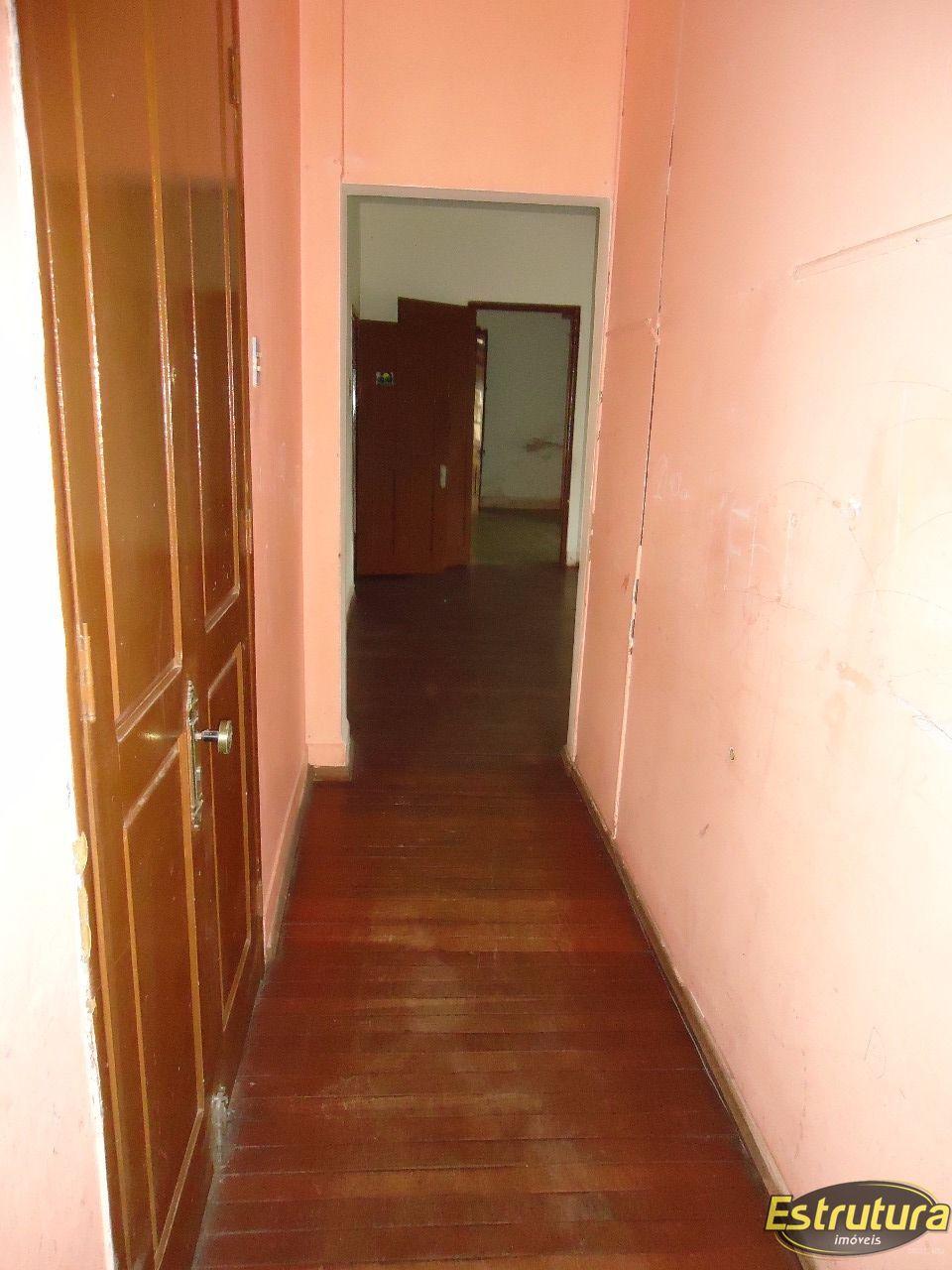 Apartamento com 3 Dormitórios à venda, 154 m² por R$ 160.000,00