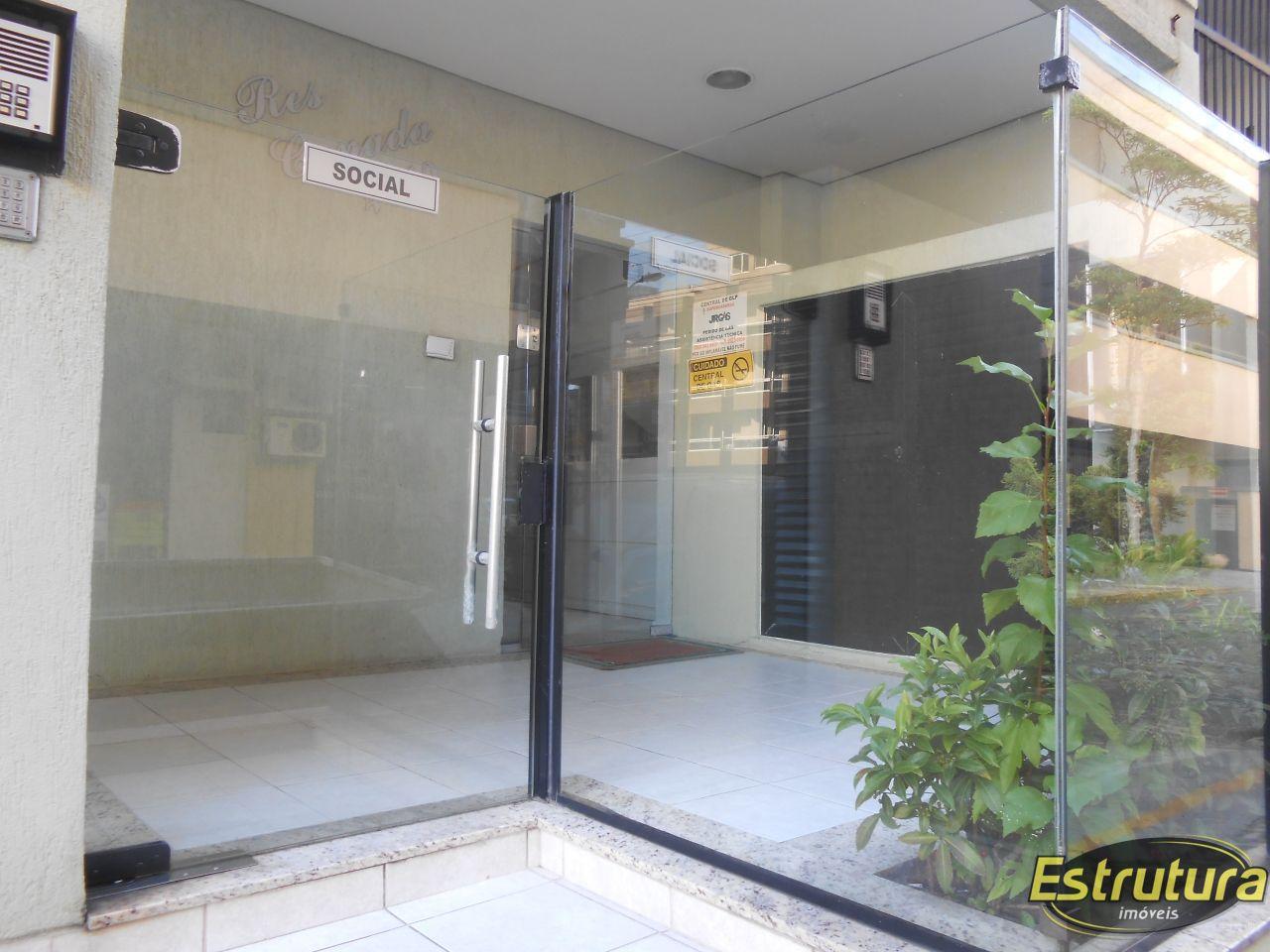 Cobertura com 3 Dormitórios para alugar, 216 m² por R$ 750,00