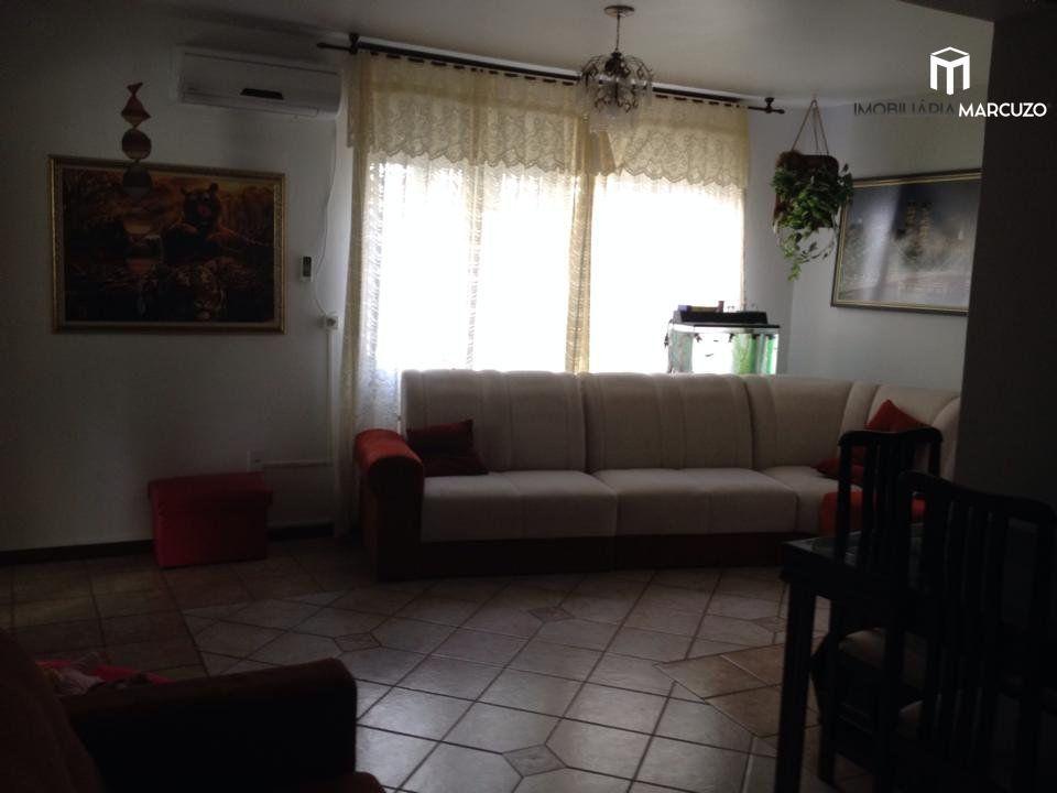 Apartamento com 2 Dormitórios à venda, 81 m² por R$ 215.000,00