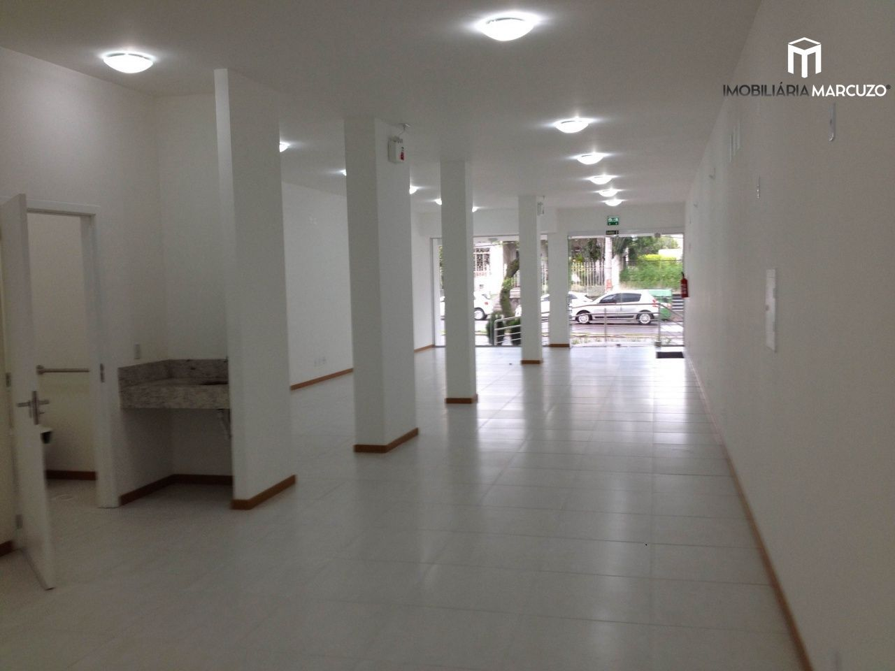 Ponto comercial para alugar, 120 m² por R$ 7.700,00