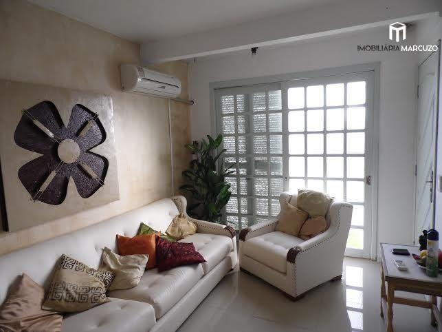 Casa com 2 Dormitórios à venda, 110 m² por R$ 330.000,00