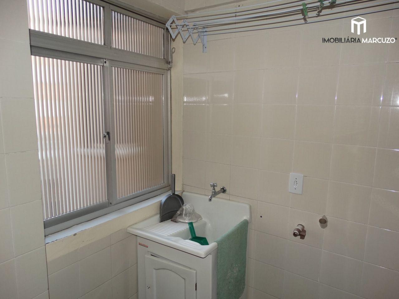 Apartamento com 2 Dormitórios à venda, 80 m² por R$ 190.000,00