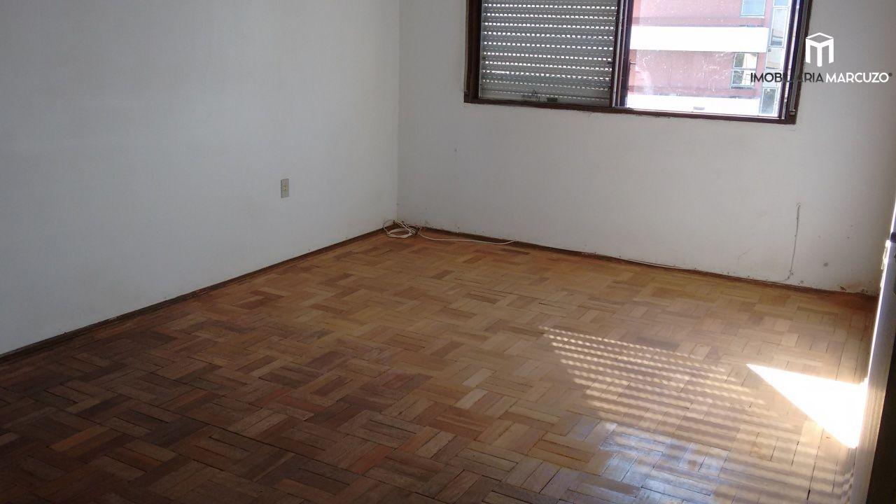 Apartamento com 3 Dormitórios à venda, 110 m² por R$ 270.000,00