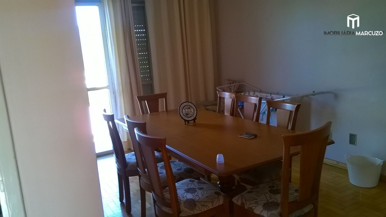 Apartamento com 3 Dormitórios à venda, 162 m² por R$ 425.000,00