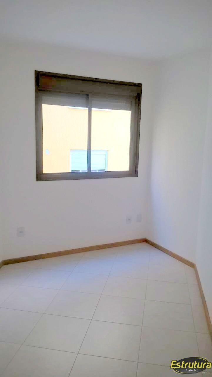 Apartamento com 2 Dormitórios à venda, 68 m² por R$ 245.000,00