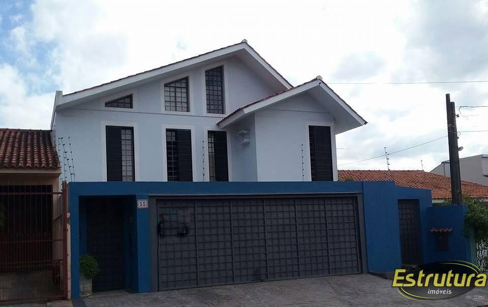Casa com 3 Dormitórios à venda, 240 m² por R$ 850.000,00