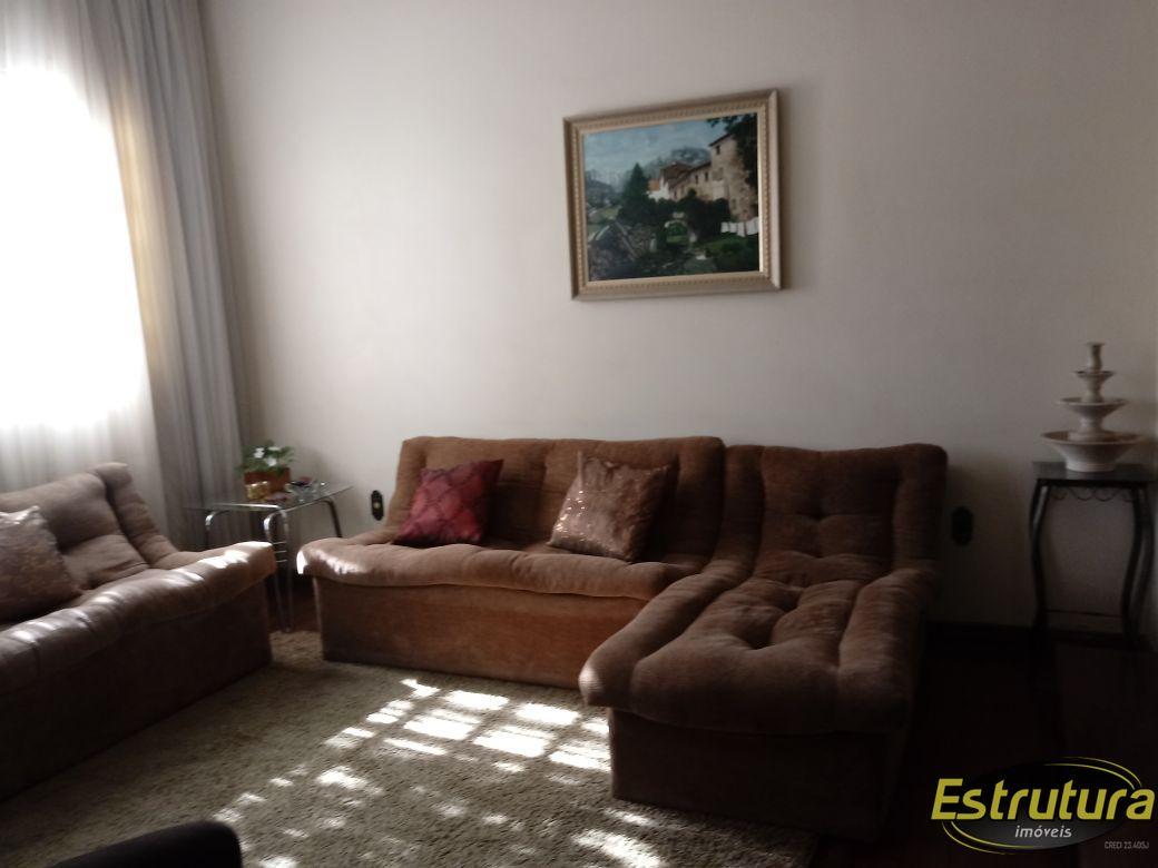 Casa com 3 Dormitórios à venda, 278 m² por R$ 820.000,00