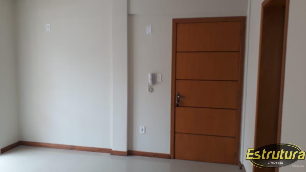 Apartamento com 2 Dormitórios à venda, 64 m² por R$ 290.000,00