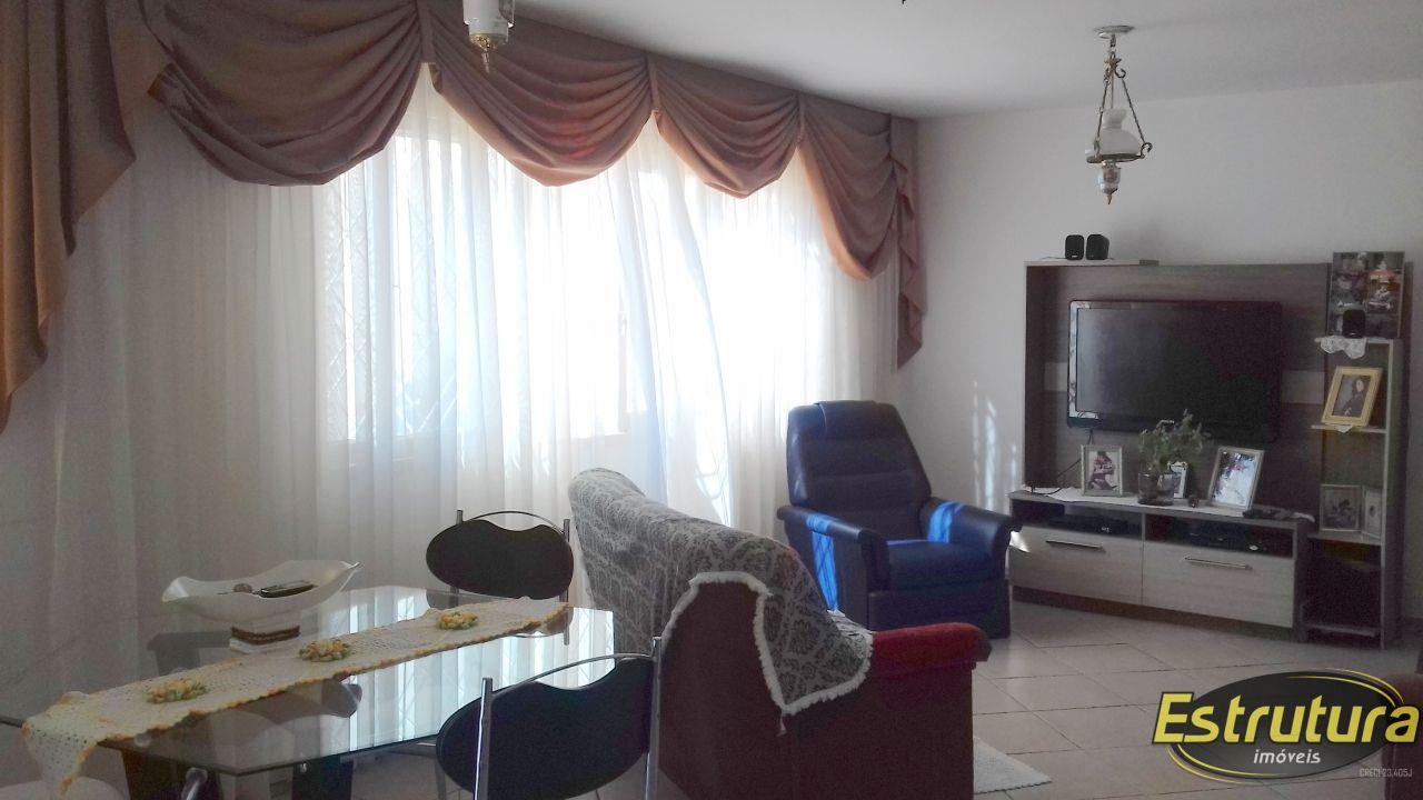 Casa com 3 Dormitórios à venda, 160 m² por R$ 428.000,00