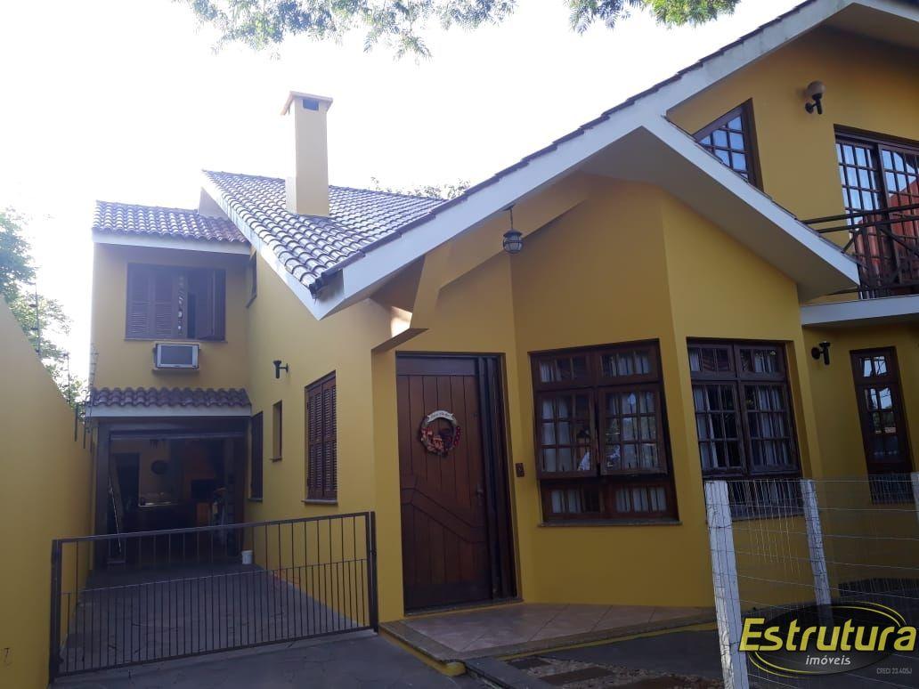 Casa com 4 Dormitórios à venda, 262 m² por R$ 910.000,00