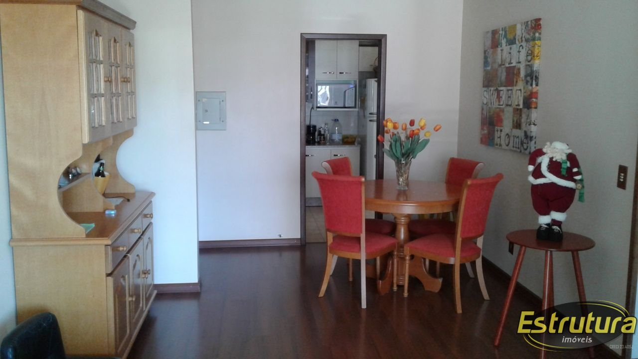 Apartamento com 2 Dormitórios à venda, 83 m² por R$ 330.000,00