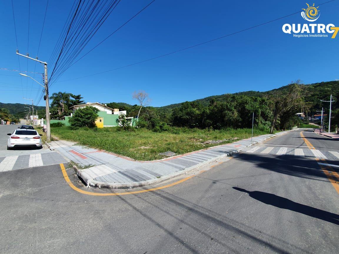 Terreno comercial à venda  no Bombas - Bombinhas, SC. Imóveis