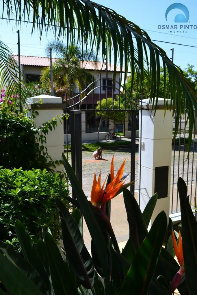 Casa com 5 dormitórios<small> em Torres, Praia da Cal</small>
