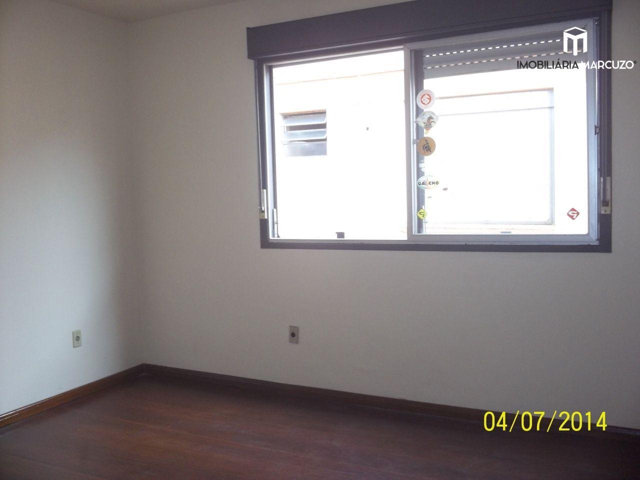 Apartamento com 2 Dormitórios à venda, 67 m² por R$ 270.000,00