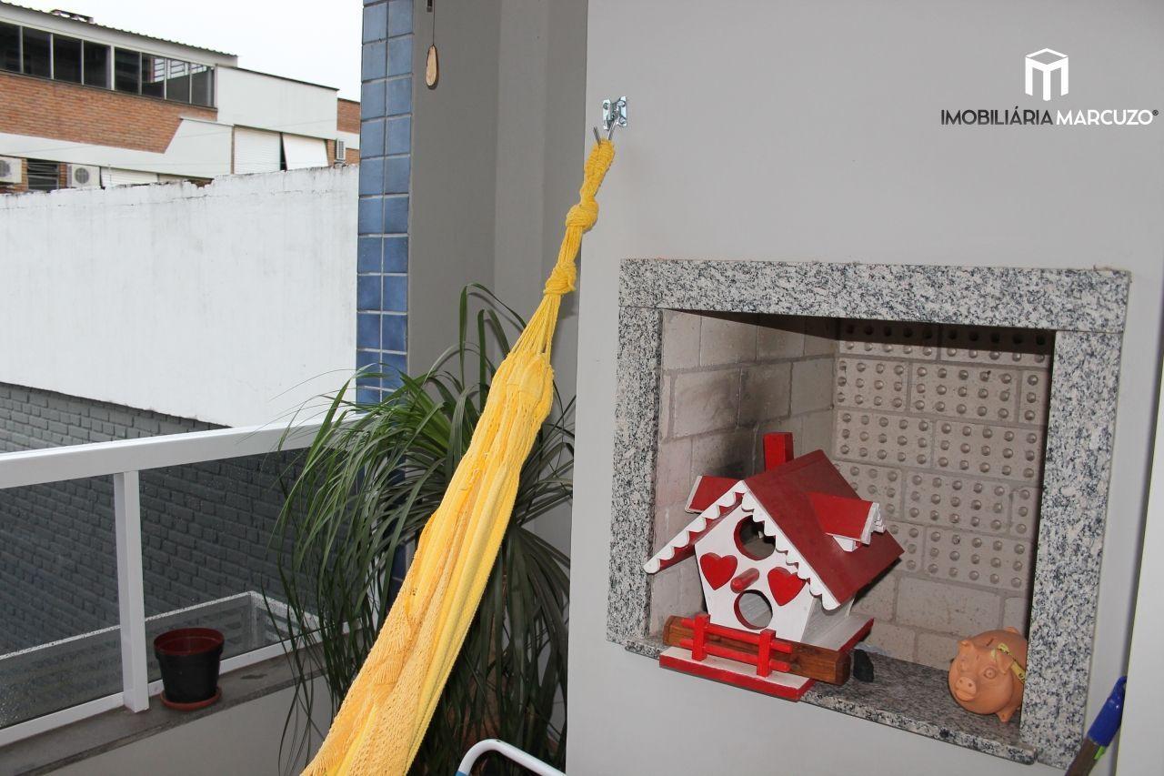 Apartamento com 2 Dormitórios à venda, 77 m² por R$ 348.000,00