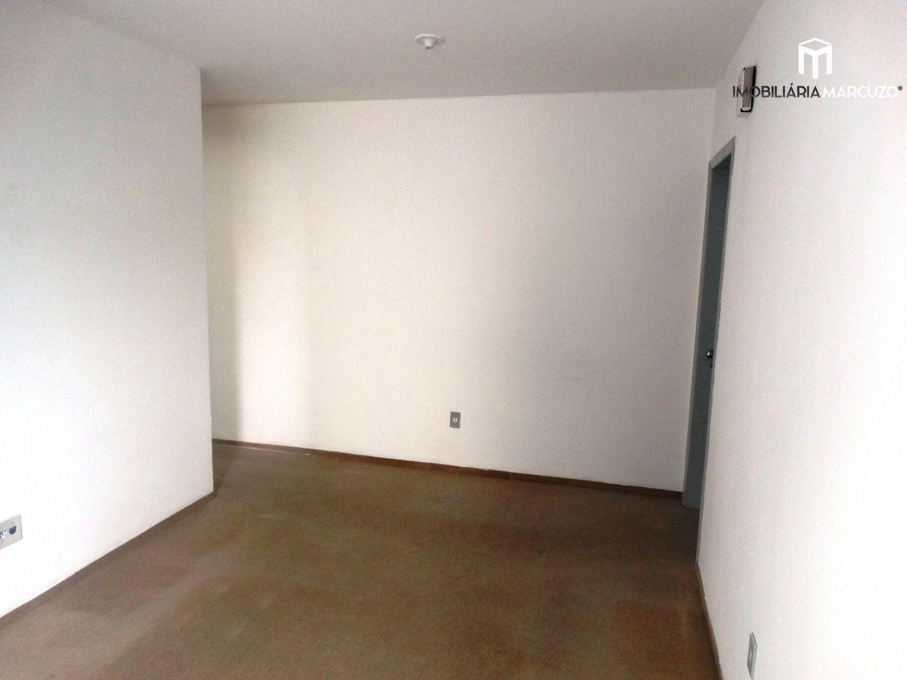 Apartamento com 1 Dormitórios à venda, 52 m² por R$ 180.000,00