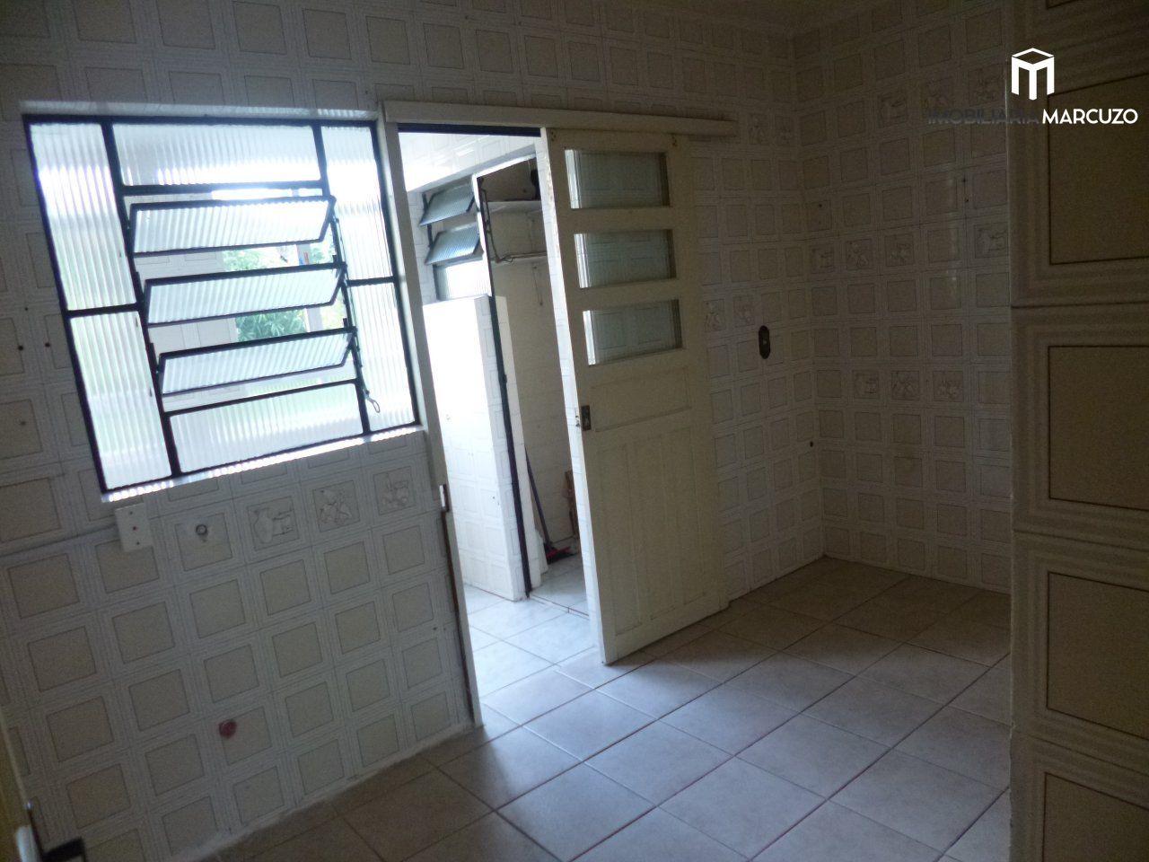 Apartamento com 4 Dormitórios à venda, 136 m² por R$ 380.000,00