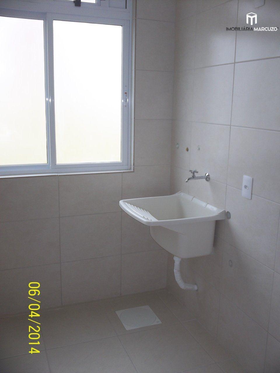Apartamento com 2 Dormitórios à venda, 73 m² por R$ 280.000,00