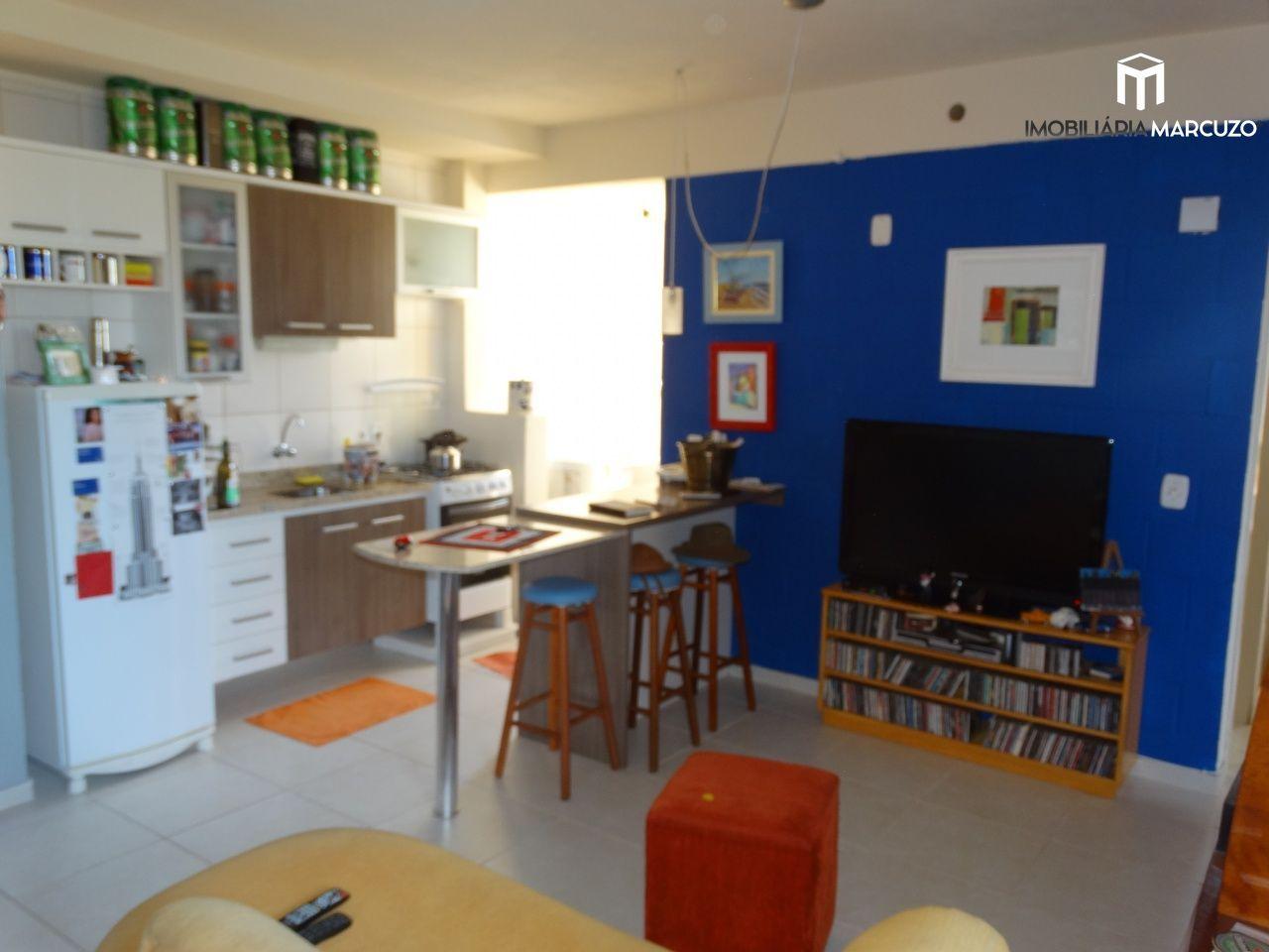 Apartamento com 3 Dormitórios à venda, 65 m² por R$ 215.000,00
