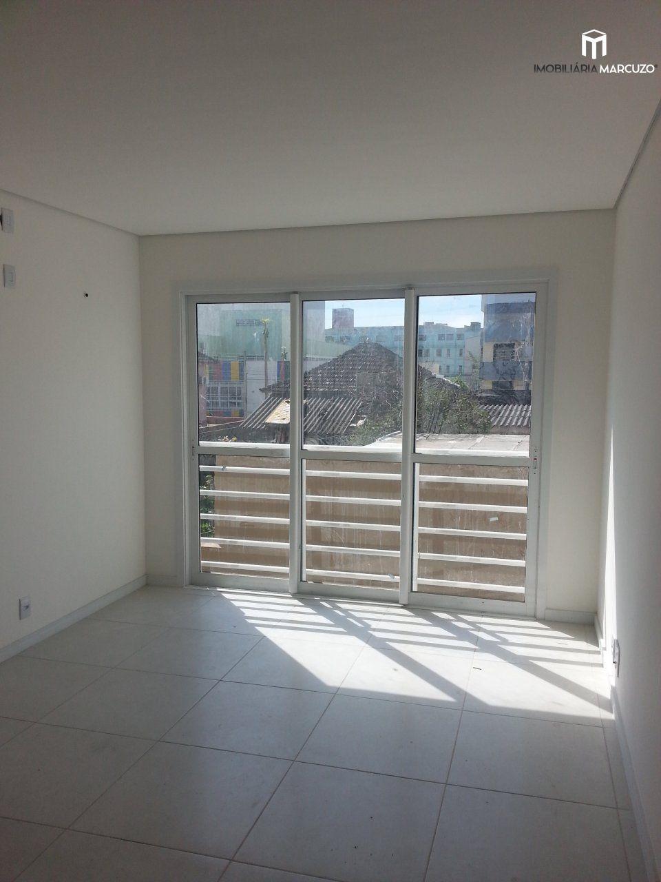 Apartamento com 2 Dormitórios à venda, 77 m² por R$ 316.500,00